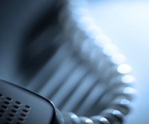 """На """"горячей линии"""" Минобразования смогли обработать 175 звонков"""
