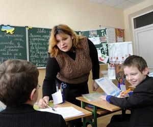 В школах планируется ввести должность ассистента учителя инклюзивного обучения