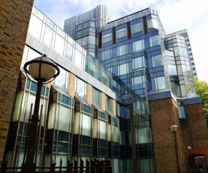 Конкурс на лучшее эссе от Лондонской школы бизнеса и финансов