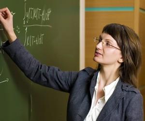 """Половина старшеклассников считает профессию учителя """"достаточно престижной"""""""