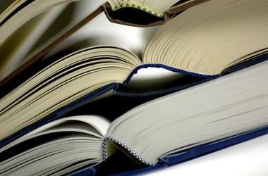 МОН откажется от грифования учебников