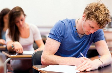 Вузам могут разрешить поднимать плату за обучение
