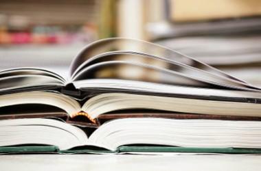 МОН до сих пор раздает госпремии за учебники