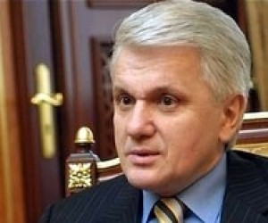Литвин: Детям необходимо дать выбор - или тестирование или экзамены