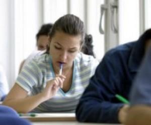 Табачник отменил госэкзамен по украинскому языку для бакалавров