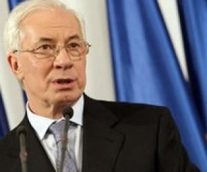 Азаров: Выпускные экзамены должны пройти организованно и без коррупции