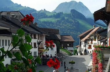Образование в Швейцарии: знаменитости выбирают отельный менеджмент