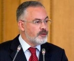 Донецкий горсовет просит защитить министра образования Табачника